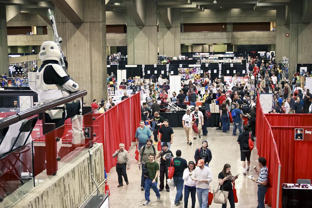 https://upload.wikimedia.org/wikipedia/en/4/49/Montreal_Comiccon_2011_Dealers_Room_View_1.jpg