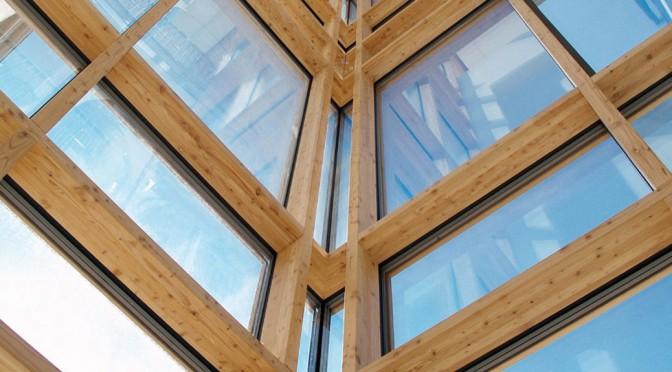 Des murs-rideaux bois à haute résistance thermique