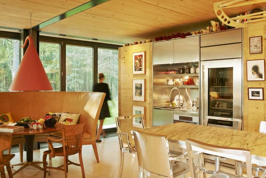 des maisons cologiques pr fabriqu es sign es philippe starck et riko r seau espace bois. Black Bedroom Furniture Sets. Home Design Ideas