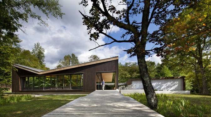 Centre de découverte du parc national du Mont-Tremblant: design et bois un mariage gagnant