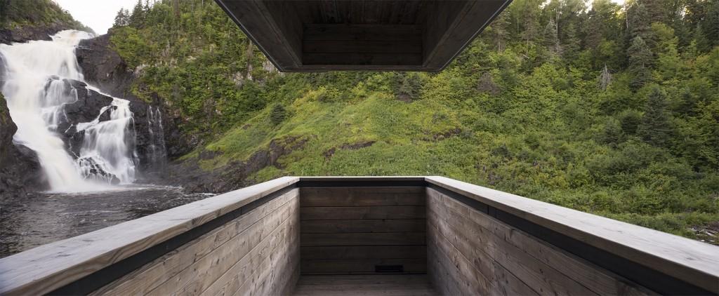 © Alain Laforest La centrale hydro-électrique de Val-Jalbert est une réalisation de l'Atelier Pierre Thibault mettant en valeur le matériau bois.