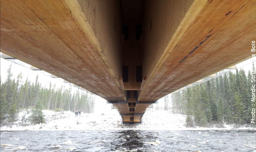 L'ossature en bois lamellé-collé et en bois lamellé-croisé du pont Maicasagi