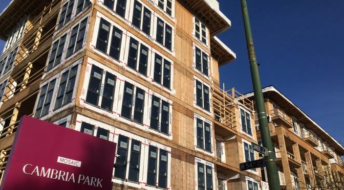 Wood WORKS! BC et BC Housing publient un guide sur les meilleures pratiques de construction en bois de bâtiments de moyenne hauteur